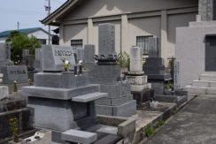 常楽寺(梅沢町)墓地の画像1