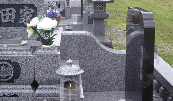 お墓の名前入れを解説します!墓石に彫る時期や料金は?