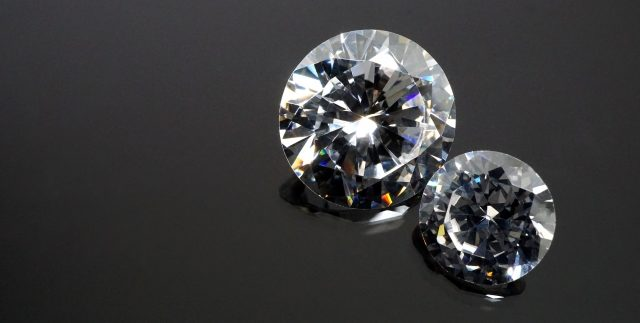 遺骨で作る宝石のイメージ-1