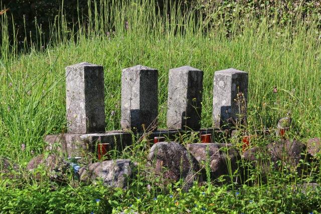 個人墓地とは?家の敷地にあるお墓は許可をもらってる?