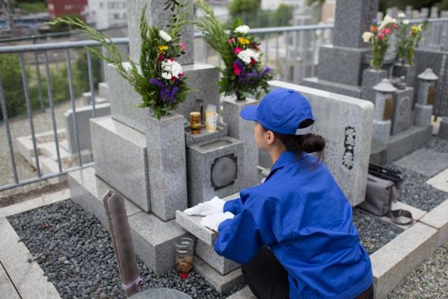 お墓参りに行けない時の対処法!お墓が遠方にある場合は?