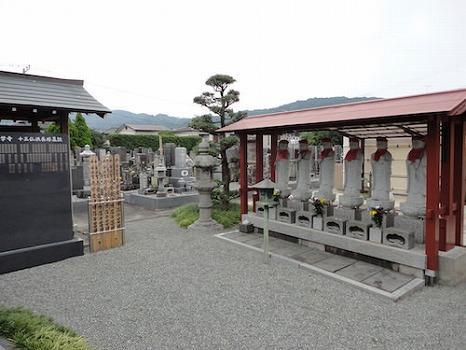 東学寺 のうこつぼ_9